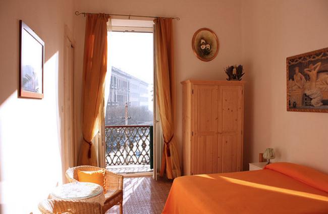 Bed & Breakfast-03-Cagliari_01